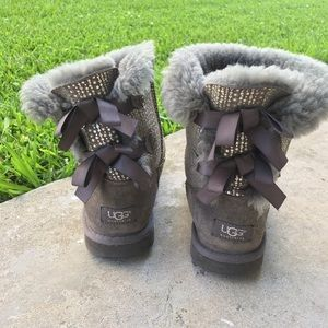 UGG Silver Bailey Bow Ribbon Tie Gray Boots